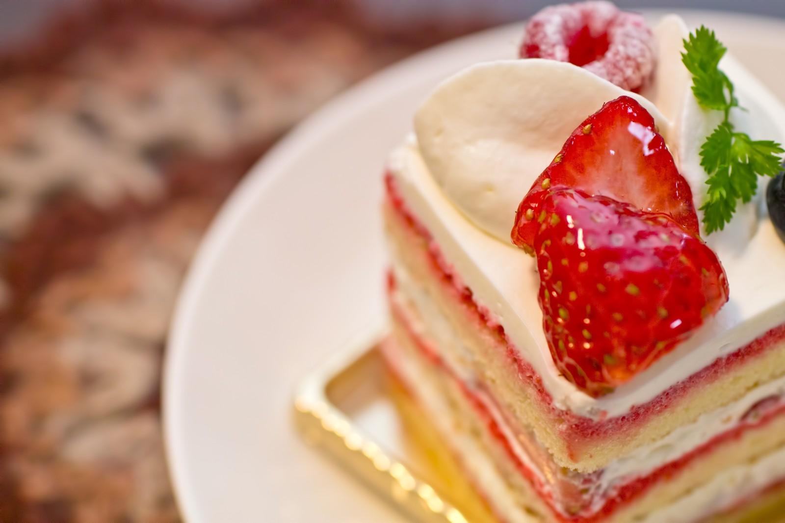 ケーキ 冷蔵庫 入れない